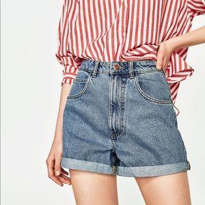 NWT ZARA  denim rolled mom jean shorts